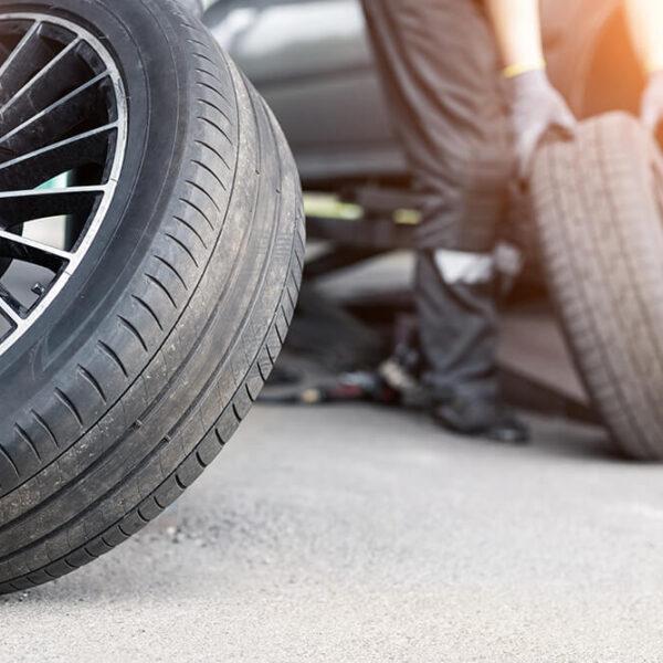 Ways Slamming on the Brakes Damages Your Vehicle